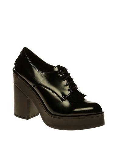 İnci İnci Rugan Bağcıklı  Topuklu Ayakkabı Siyah